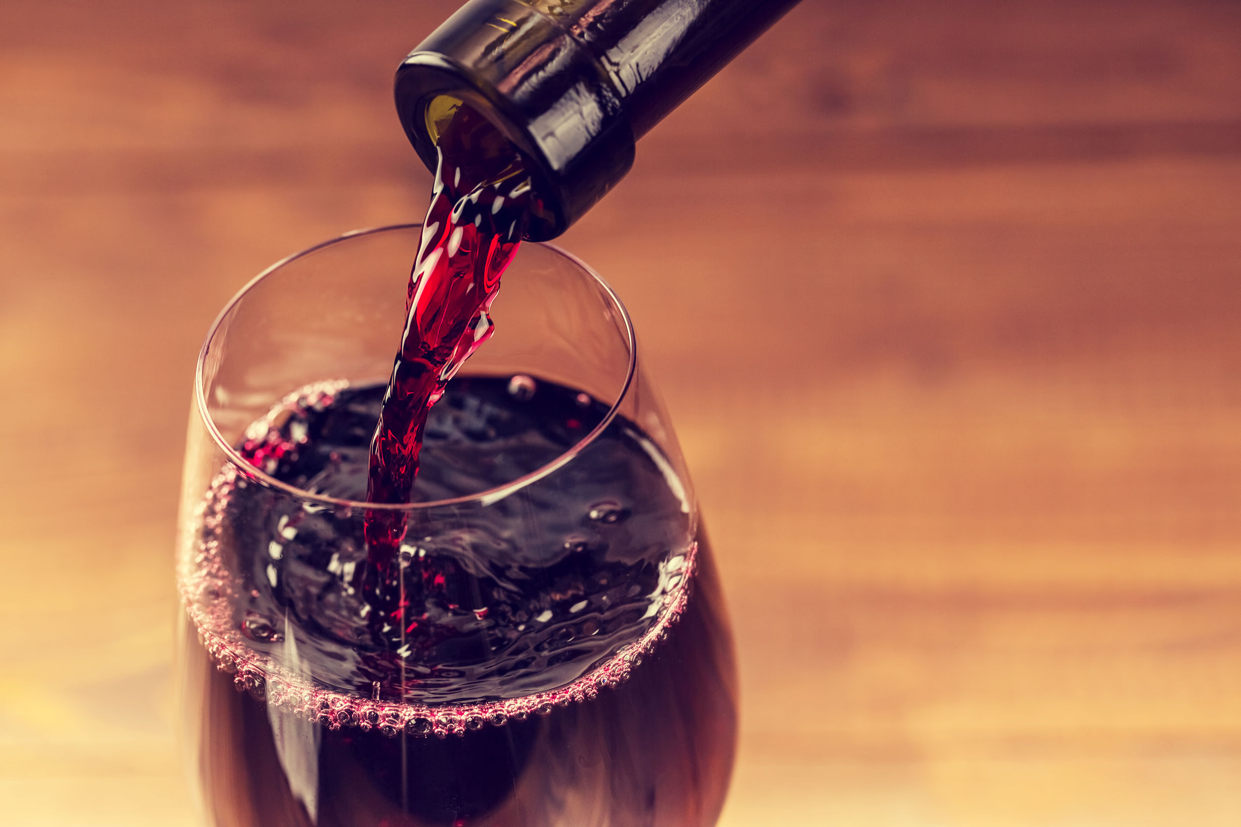 Liquor Commission Curbs Wine Delivery Competition