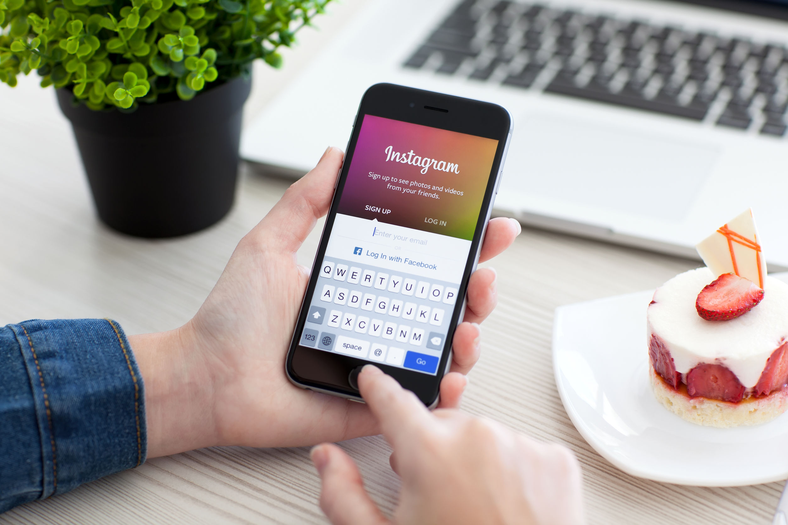 Instagram Reaches 1 Billion Monthly Users