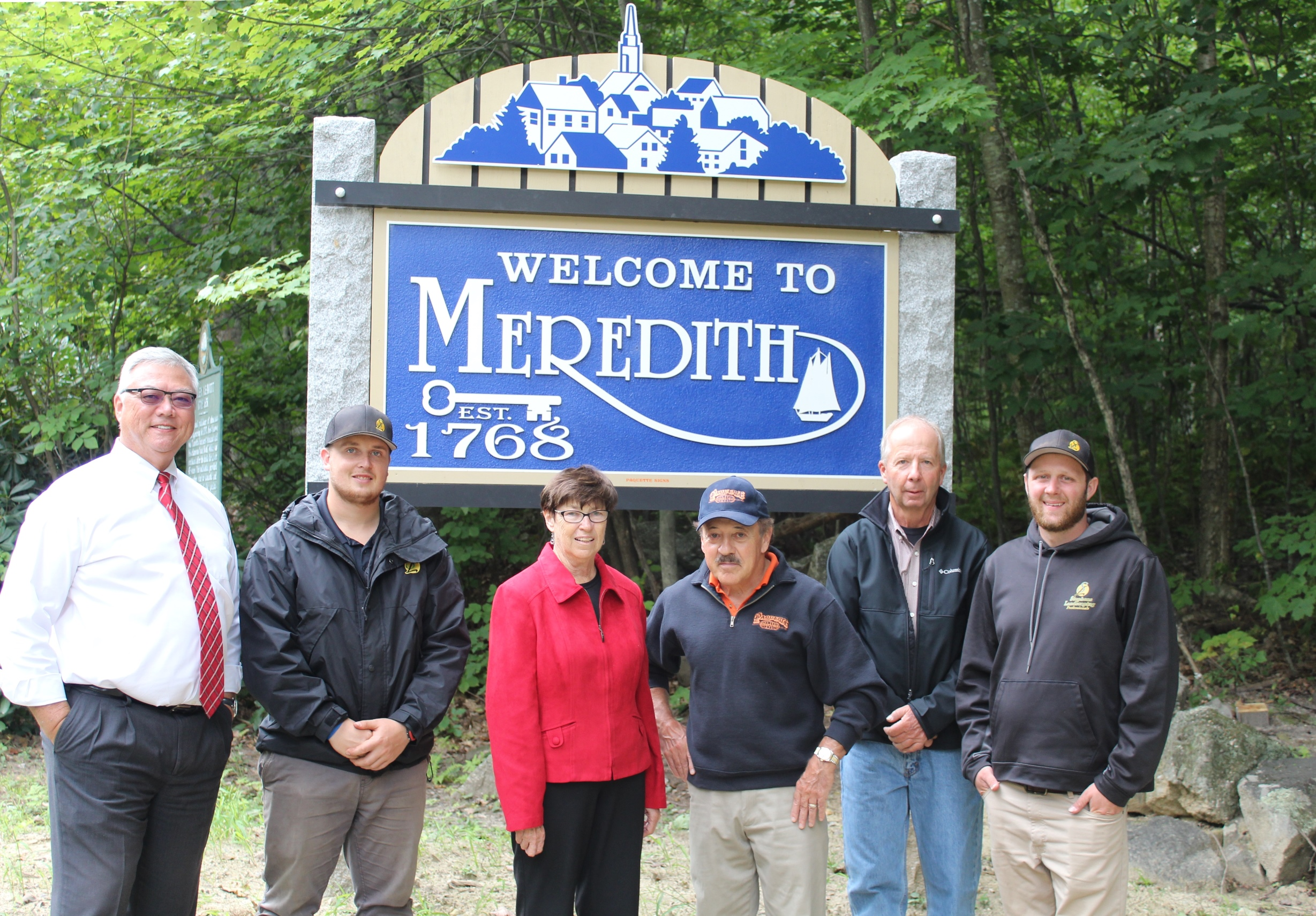 Meredith Installs New Welcome Signs